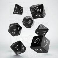 Q Workshop Classic RPG Opaque Black & White 7 Dice Polyset