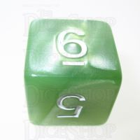 TDSO Pearl Pale Green & White D6 Dice